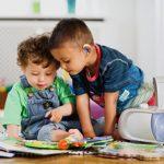 نقش شنوایی شناس در راهنمای والدین کودک کم شنوا