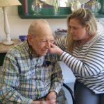 خدمات شنوایی سنجی و سمعک در منزل