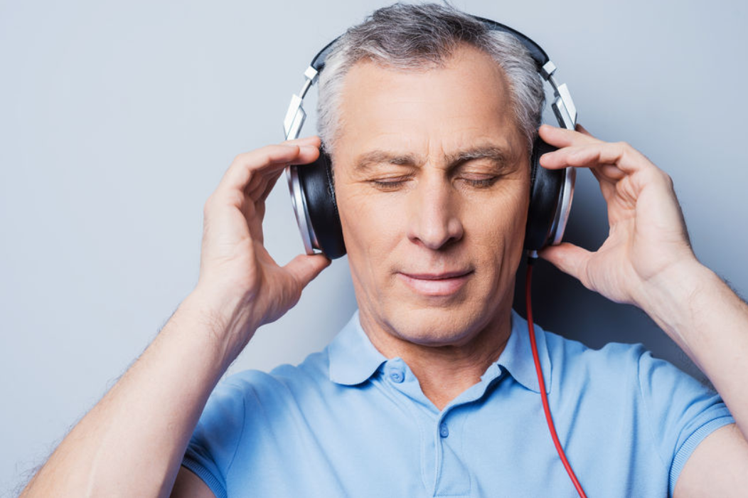 کم شنوایی در اثر استفاده از هدفون